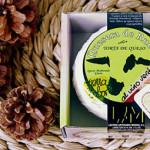 La Quesera de Rueda Investigar e innovar son dos constantes de La Quesera  de Rueda, y así surgen variedades como el queso ahumado, el queso azul o la torta al vino verdejo, entre otros.